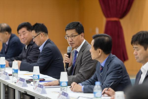 18일 축제추진위원회는 군청 대회의실에서 열린 청양고추구기자축제 평가회에서 이 같은 내용의 분석 결과를 보고했다.
