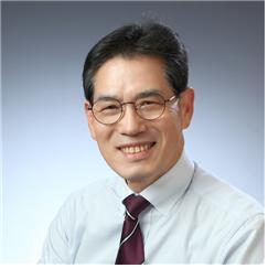 김충남 인문학교육연구소장.