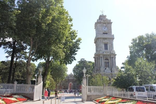 2. 돌마바흐체 궁 입구 시계탑(9시5분)